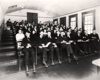 1915: Students in the Arts lecture theatre at UBC's original Fairview campus. (UBC Archives)