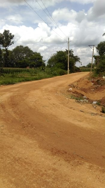 The old road was in terrible shape, and especially difficult to use during monsoon season. (Photo: IC-IMPACTS)